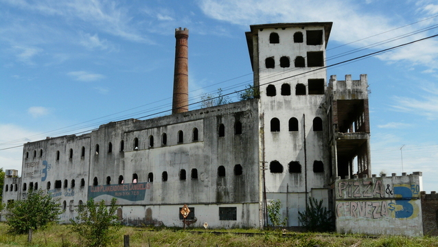 flint water crisis stock image of abandoned building