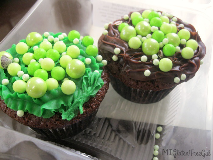 Earthen Jar Simple Pleasures Mint Chocolate Cupcakes