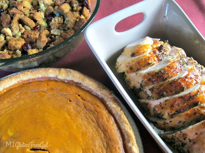 american-gluten-free-thanksgiving-stuffing-pie-and-turkey-min