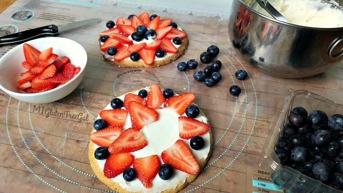 building a gluten-free fruit pizza