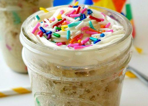 Gluten-Free Mason Jar Cake – Cupcakes to Go!