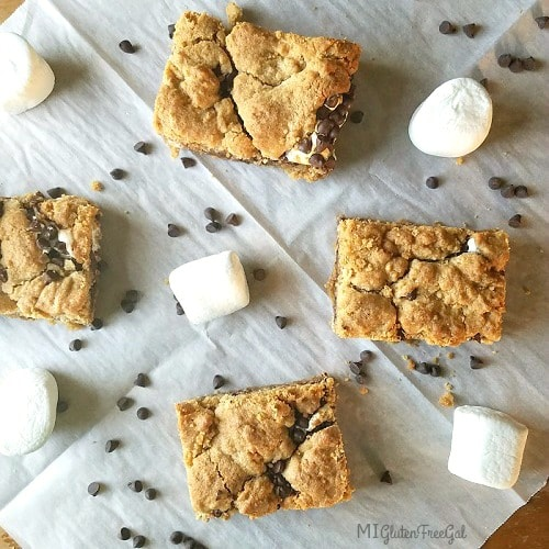 One actually uses marshmallow fluff, not whole marshmallows, to make these gluten-free S'mores bars