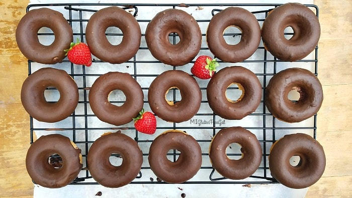 Two Ingredient gluten-free donuts with chocolate ganache-min